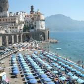 2_veduta_atrani_con_spiaggia.jpeg