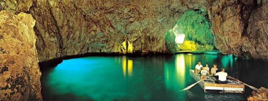 grottadellosmeraldo.jpg