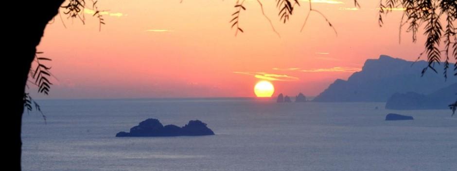 tramonto_isola_dei_galli.jpg